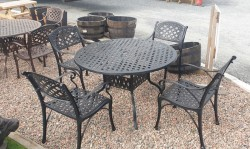 Garden Furinture Table & Chairs