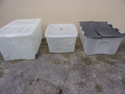 Plactic storage containers (3)