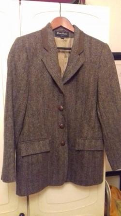 SOLD Vintage tweed jacket