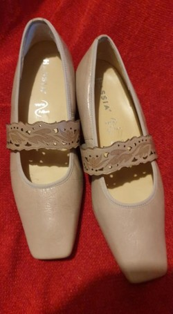 HASSIA LADIES GENUINE LEATHER SHOES Size 5, 5 (38 - 39)