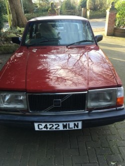 VOLVO 240 wanted