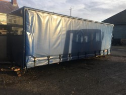 Curtain sided lorry body
