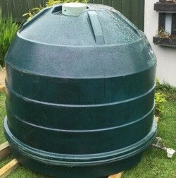1300 Litre Plastic Home Heating Oil Tank With Sight Gauge (GOOD CONDITION)