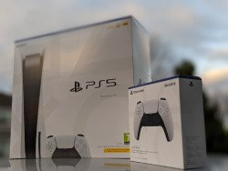 Playstation 5 Disc Version (White) - Brand New - Unopened Sealed In Box - In Hand Ready to Deliver