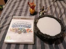Skylander Platform, Game and figures - PS3