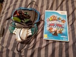 Skylander Platform, Game and figures - Wii