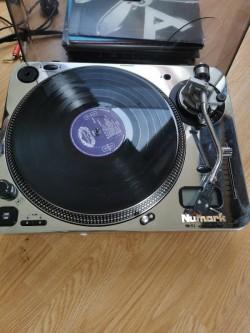 DJ turntable record player