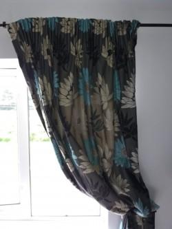 Curtains. 90 x 90.