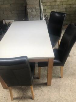 Queen Top Kitchen Table