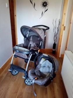 Chicco Pram and car seat