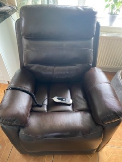 Lift and Tilt recliner Chair
