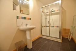 Portrush modern 3 bedroom Rental Sleeps 6 free WiFi.