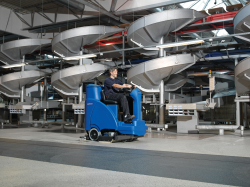 SCRUBTEC R 686 - Ride on Scrubber Dryer